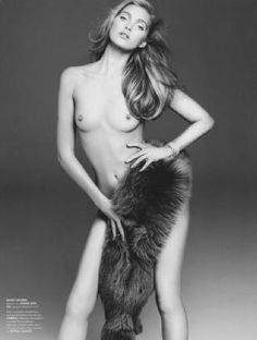 Taylor hill nude