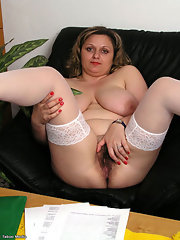 Chubby mature stockings pussy