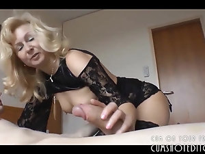 Mature amateur horny pussy video